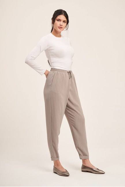 Mizalle - Lace-Up Striped Trousers (Grey)