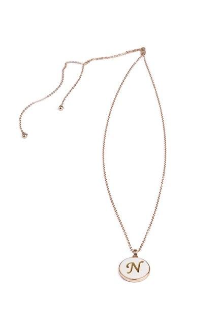 Mizalle - Letter Necklace (Letter N)