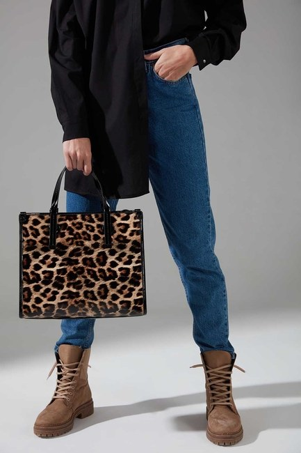 Mizalle - Patent Leather Hand Bag (Leopard)