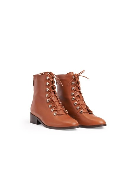 Mizalle - Postal Leather Boots (Tan)