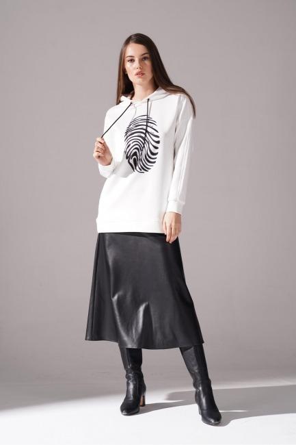 Mizalle - Printed Scuba Sweatshirt (Black)