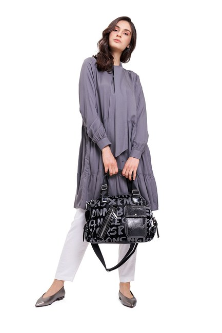 Mizalle - Printed Zippered Shoulder Bag (Black)