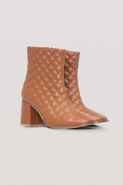 Mizalle - Quilted Boots (Camel)