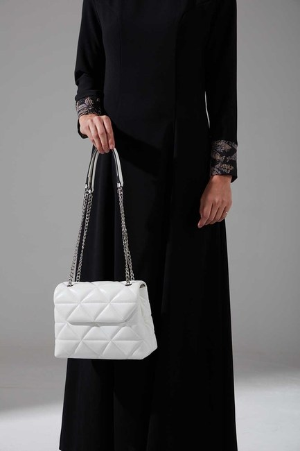 Mizalle - Quilted Handbag and Shoulder Bag (White)