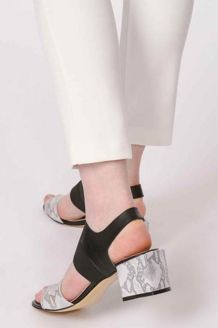 Mizalle - Snake Patterned Leather Shoes (Grey)