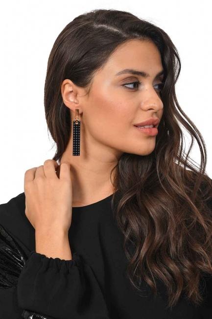 Mizalle - Square Shaped Dangling Steel Earring (St)