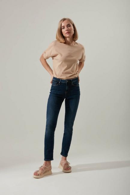 Mizalle - Straight Fit Jeans (Blue)