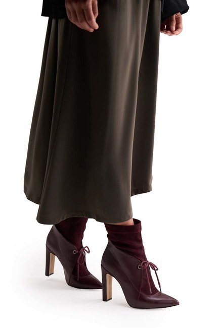Mizalle - Suede Detailed Heeled Boots (Claret Red)