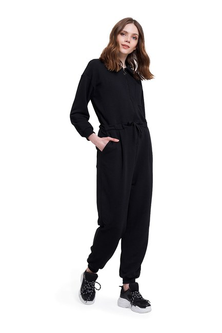 Mizalle - Three Yarn Jumpsuit (Black)
