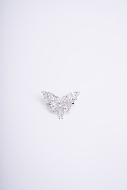 Mizalle - White Stoned Butterfly Brooch