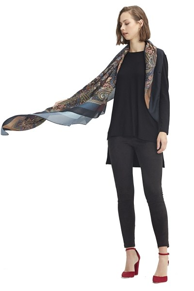MIZALLE Scarf-Formed Shawl (Brown)