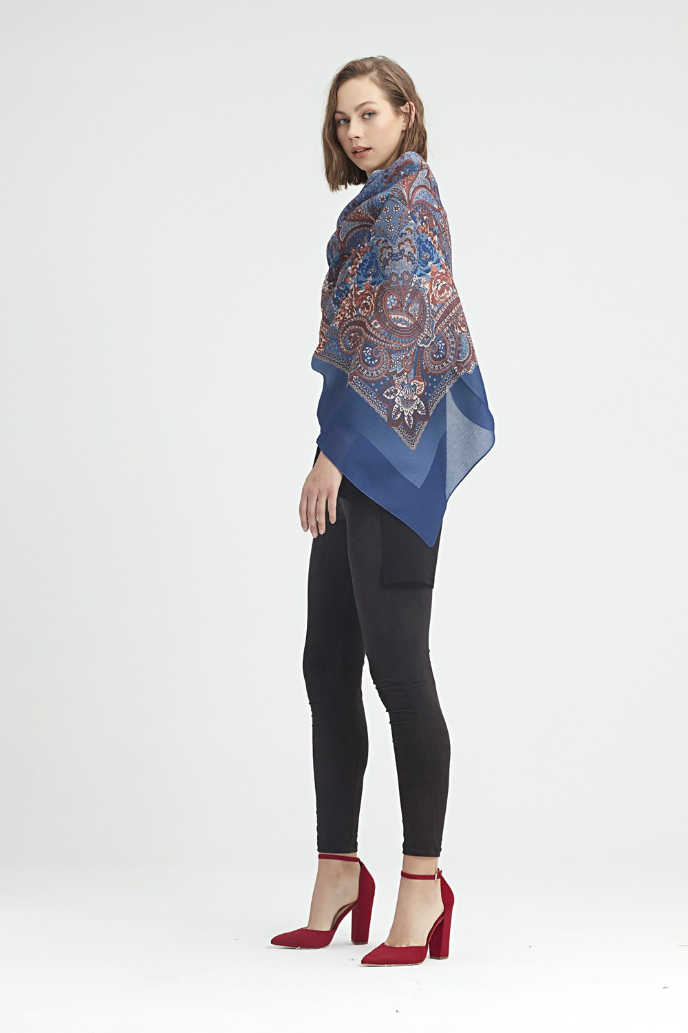 MIZALLE Scarf-Formed Shawl (Blue) (1)