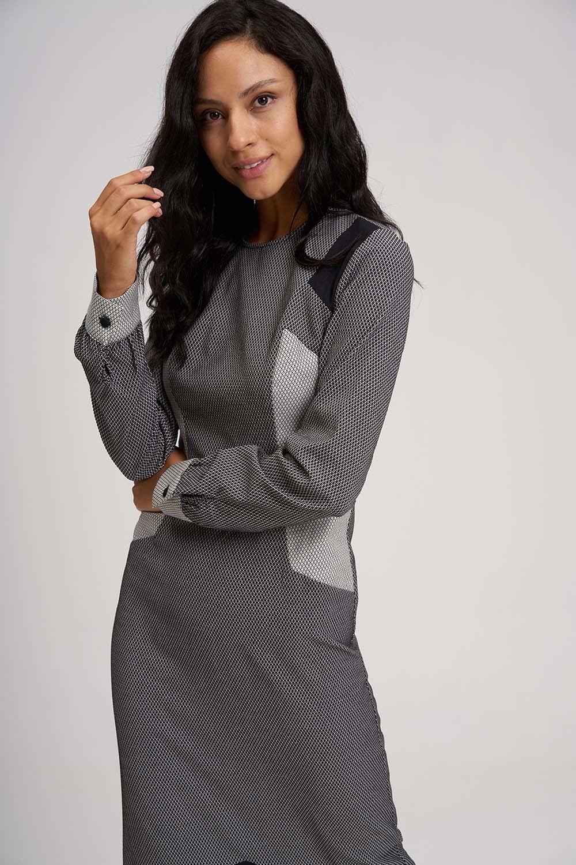 Eteği Volanlı Parçalı Siyah-Beyaz Elbise