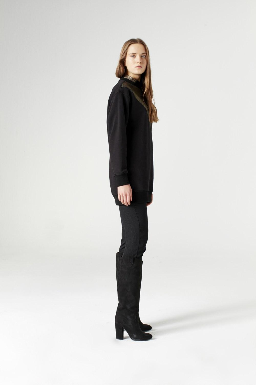 MIZALLE سويت شيرت مع تفاصيل قماش مخرم (أسود) (1)