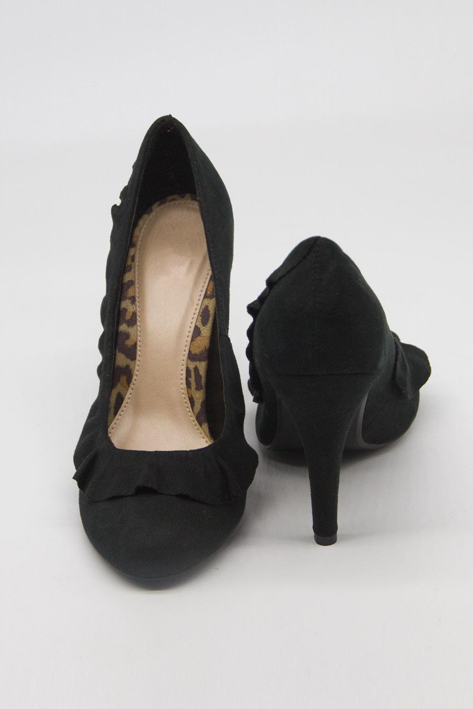 Fırfır Detaylı Topuklu Ayakkabı (Siyah)