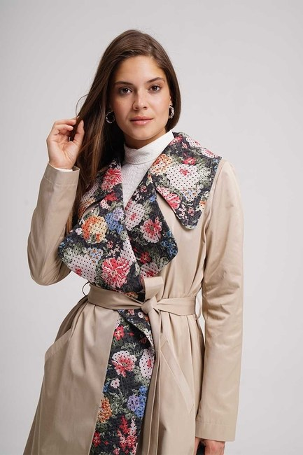 MIZALLE - Flower Garnished TrenchCoat (Beige) (1)