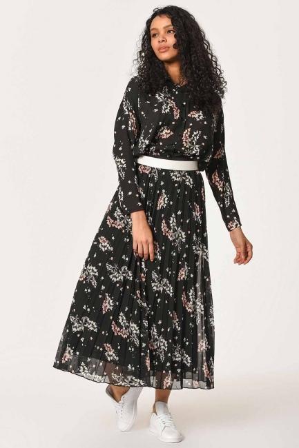 Flower Pattern Pleated Skirt (Black) - Thumbnail