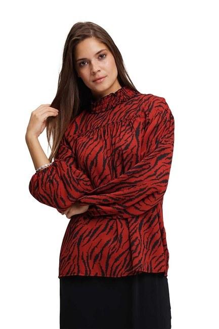 MIZALLE Front Robe Blouse (Claret Red)
