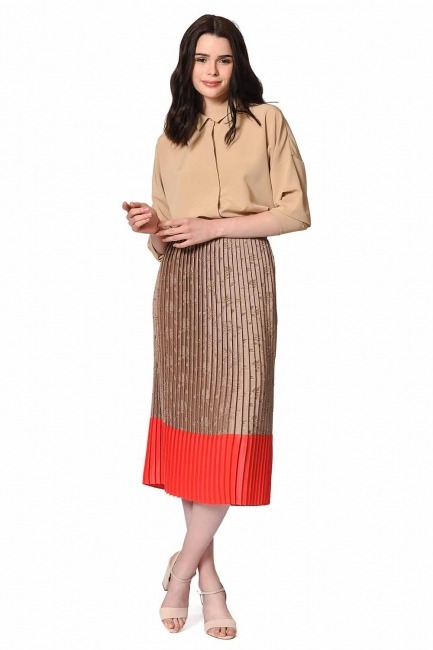 MIZALLE Pleated Skirt with Garnish Devore (Beige /Orange Red)