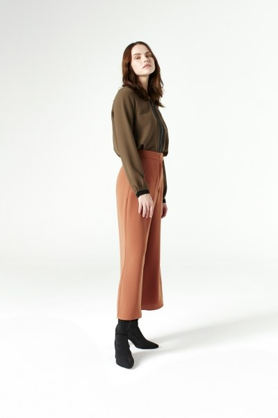 MIZALLE - Wide Cut Trousers (Brick Red) (1)