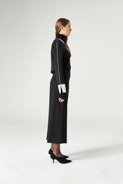 MIZALLE - Wide Cut Trousers (Black) (1)