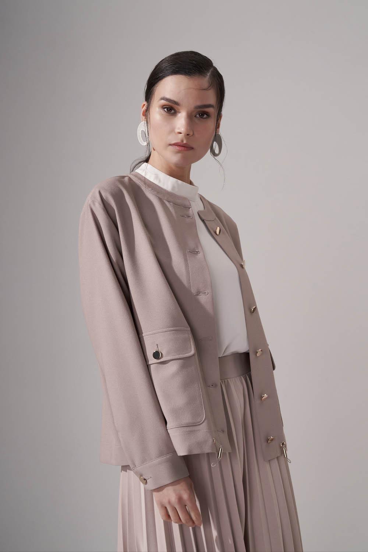 Düğmeli Krep Bej Ceket