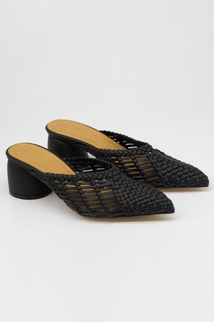 Mizalle - Hasır Görünümlü Topuklu Mule Terlik (Siyah)