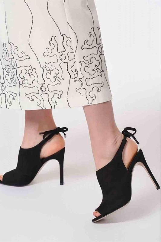İnce Topuk Süet Ayakkabı (Siyah)