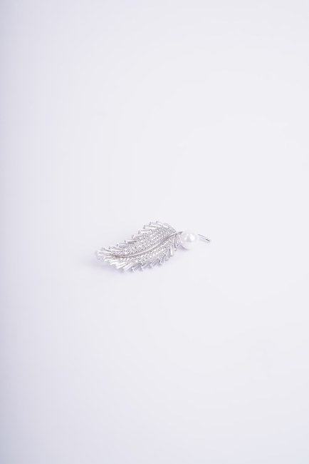 MIZALLE - İnci Detaylı Broş (Gri) (1)