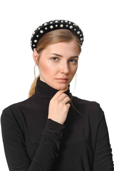 MIZALLE Pearl Detailed Hair Crown (Black)