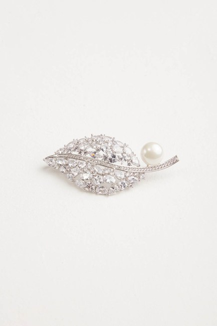 Pearl Detailed Leaf Brooch - Thumbnail