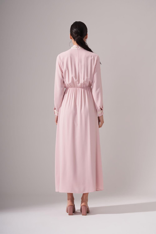 İnci Şeritli Uzun Pudra Elbise
