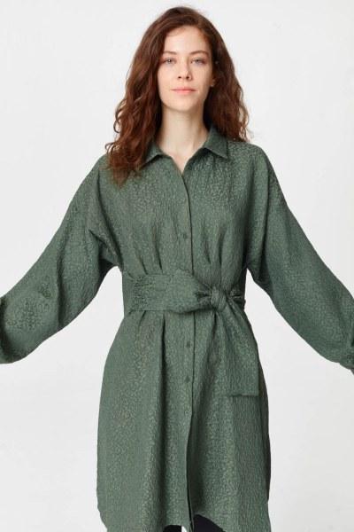 فستان تونك مع أنماط جاكار وحزام (الكاكي) - Thumbnail