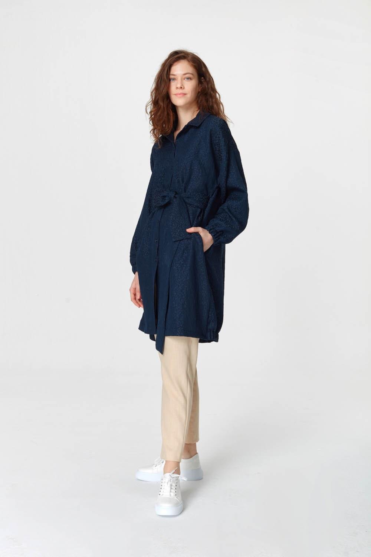 MIZALLE فستان تونك مع أنماط جاكار وحزام (الأزرق الداكن) (1)