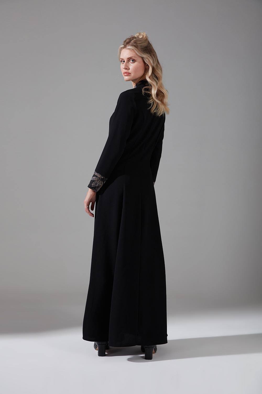 Jakar Detaylı Bej Elbise