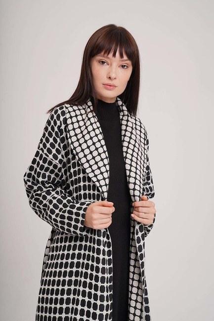 MIZALLE - Jacquard Shawl Collar Caftan (Black/White) (1)