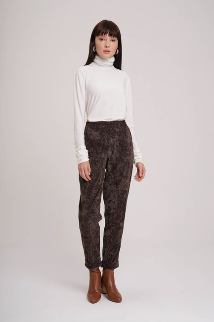 MIZALLE - Velvet Design Trousers (Brown) (1)