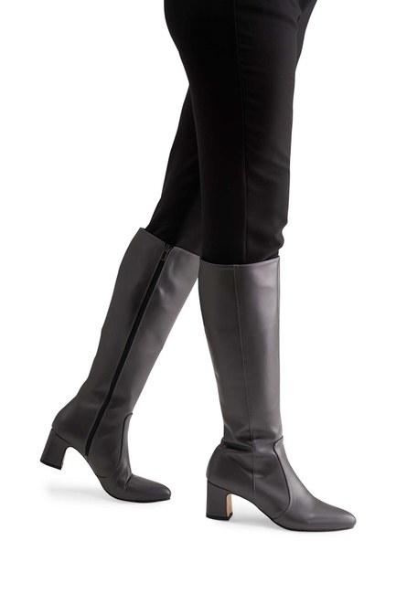 MIZALLE حذاء طويل بكعب سميك (رمادي)