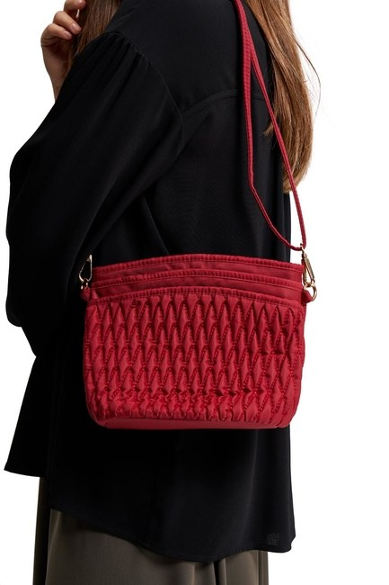 MIZALLE - Quilted Shoulder Bag (Red) (1)
