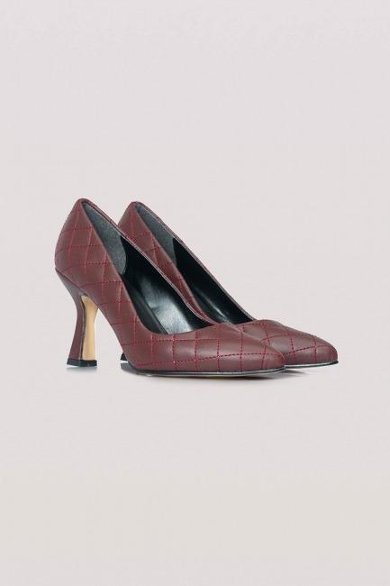 Mizalle - Kapitone Topuklu Ayakkabı (Bordo)