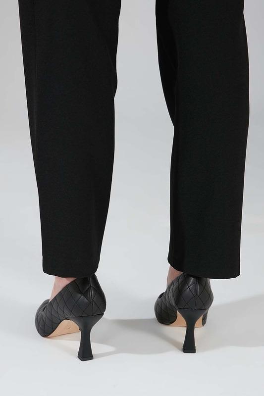 Kapitone Topuklu Ayakkabı (Siyah)