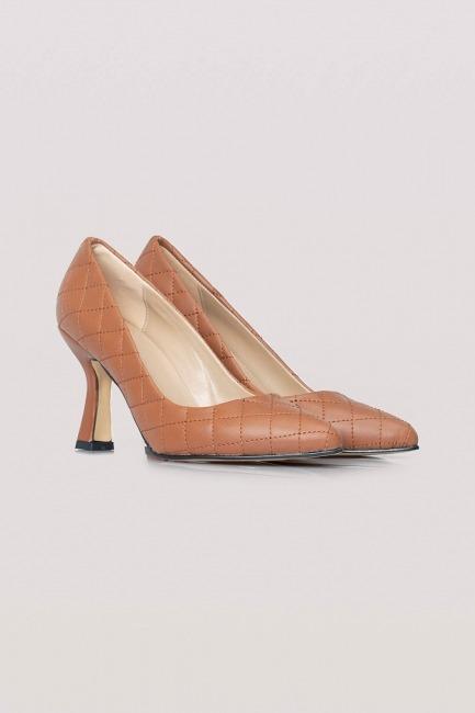 Mizalle - Kapitone Topuklu Ayakkabı (Taba)