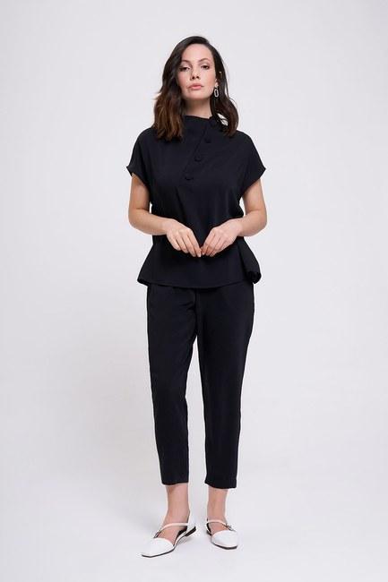 Mizalle - Kaplama Düğmeli Bluz (Siyah)