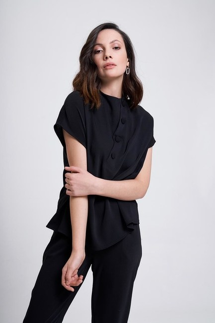 MIZALLE - Kaplama Düğmeli Bluz (Siyah) (1)