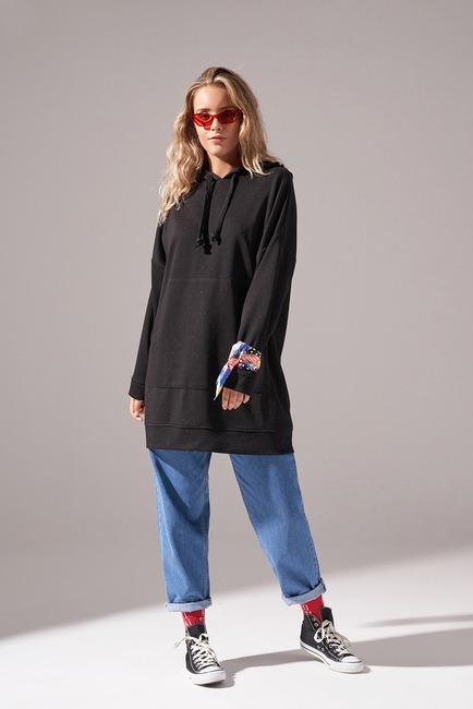 Mizalle - Kapüşonlu Basic Sweatshirt (Siyah)