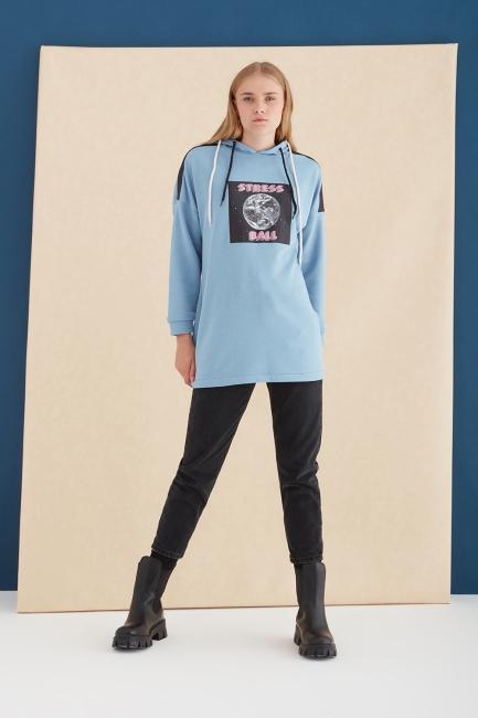 Mizalle - Kapüşonlu Baskılı Mavi Sweatshirt