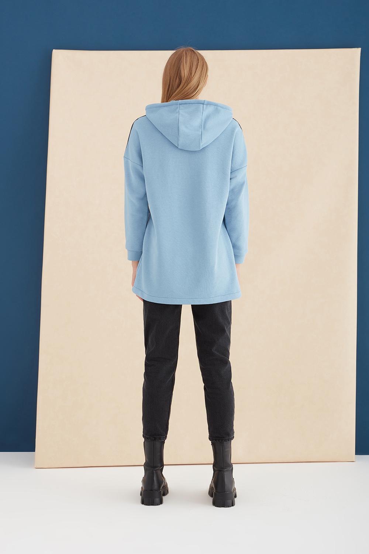 Kapüşonlu Baskılı Mavi Sweatshirt