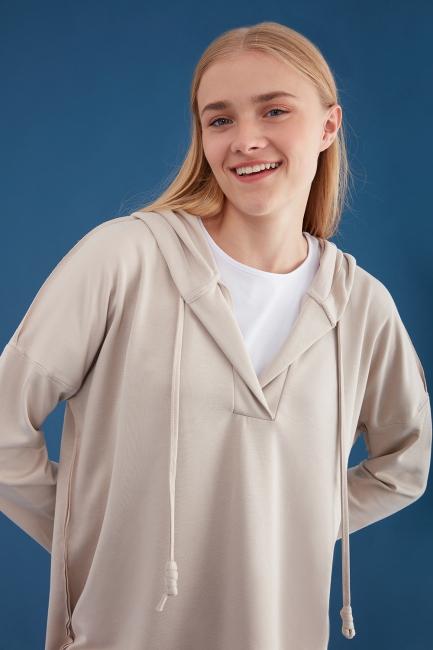 Mizalle - Kapüşonlu Bej Oversize Sweatshirt