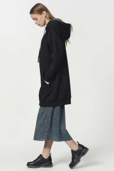 MIZALLE - الكنغر مقنعين جيب قميص ثقيل (أسود) (1)