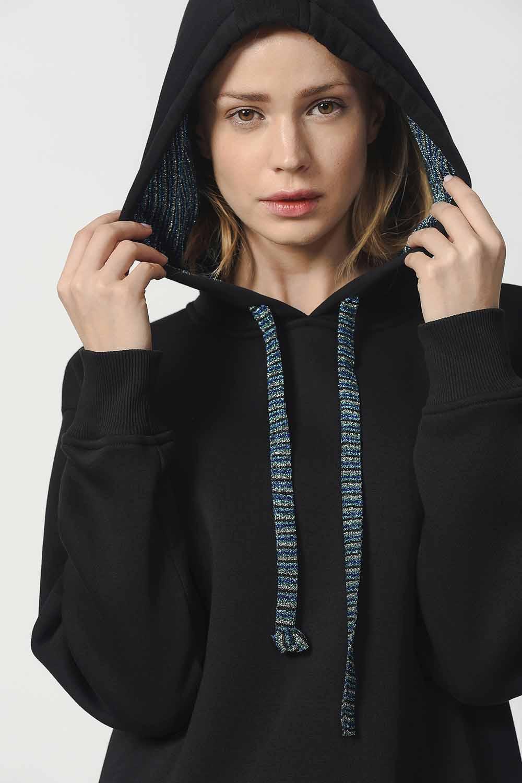 MIZALLE Kapüşonlu Kanguru Cepli Sweatshirt (Siyah) (1)